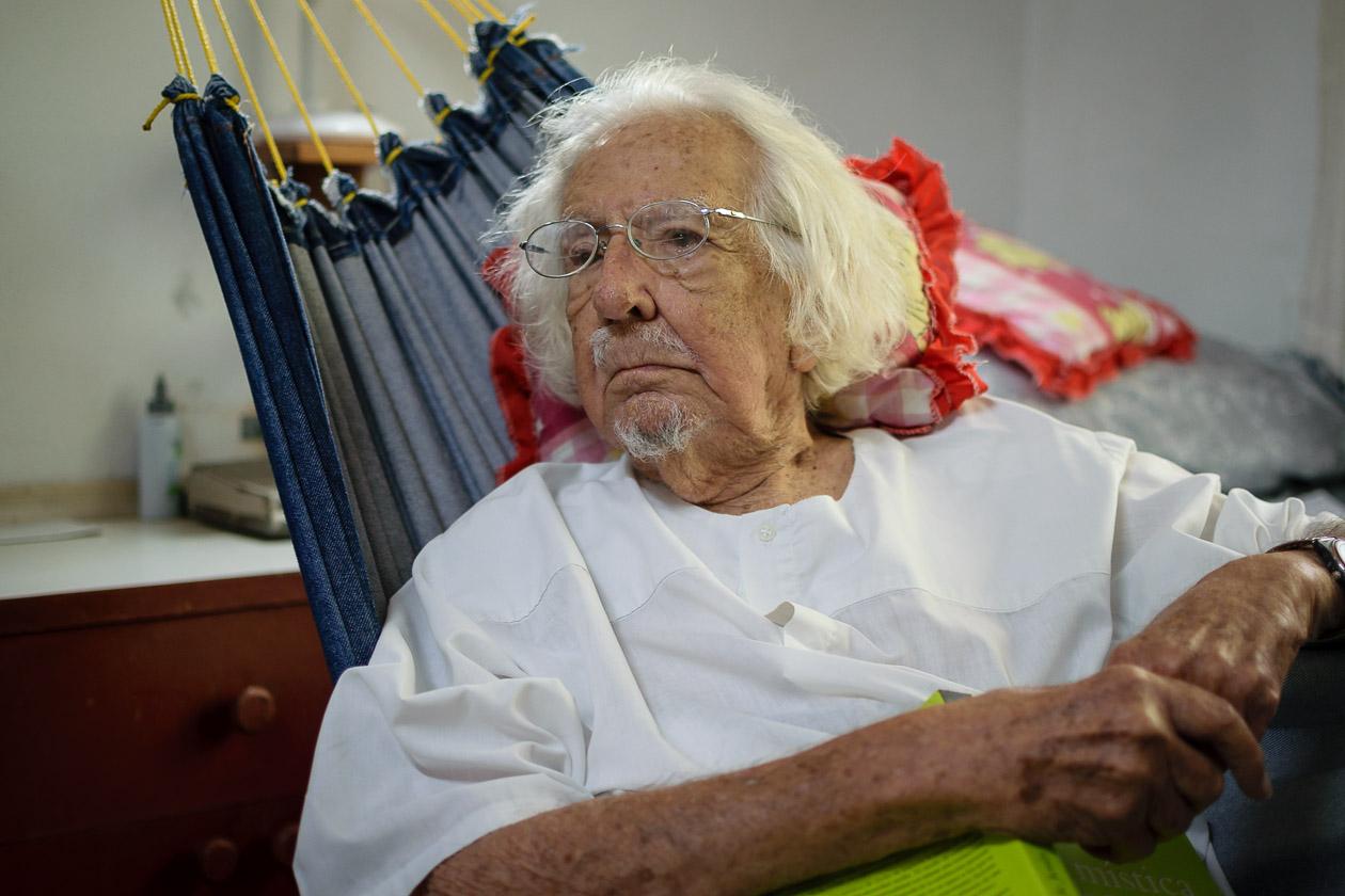 """Ernesto Cardenal y líderes estudiantiles mandan carta a """"Pepe"""" Mujica"""