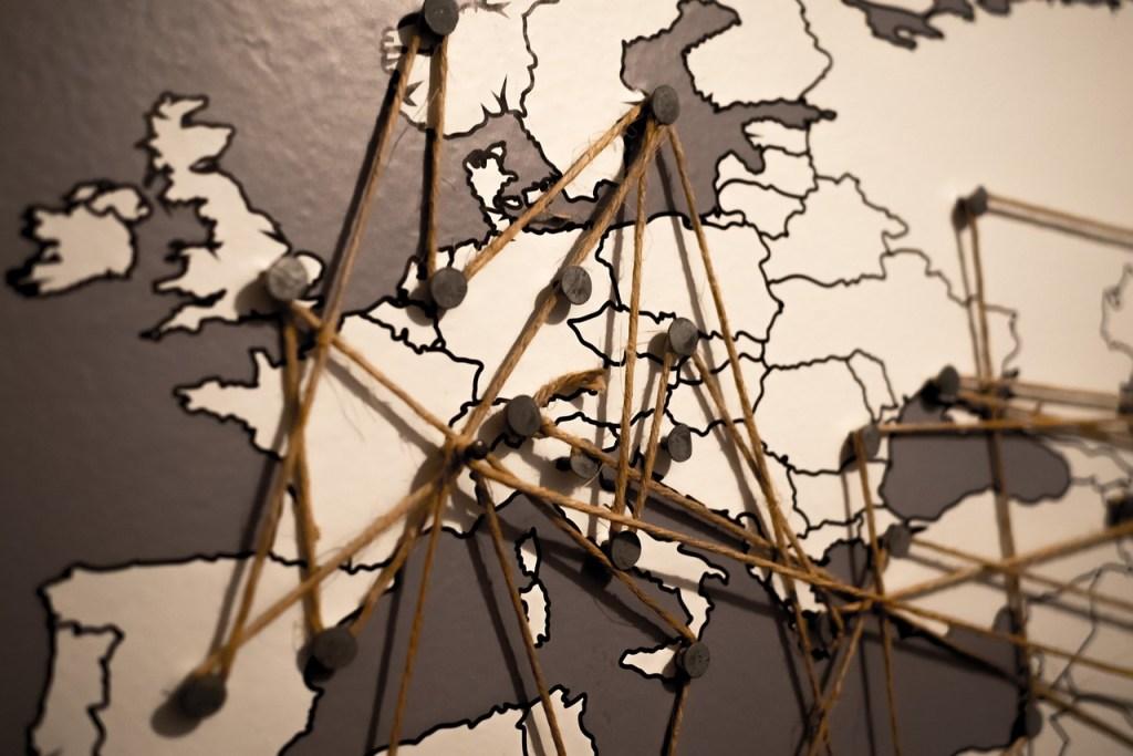 google adwords permite delimitar áreas geográficas para anunciarte, una razón más para usarlo