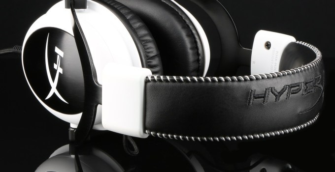 HyperX-Cloud-_white_Cloud-headset-side_feature