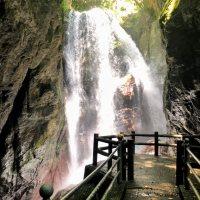 雨竜の滝 ⇒ 雨上がりは水量が半端ないド迫力の滝