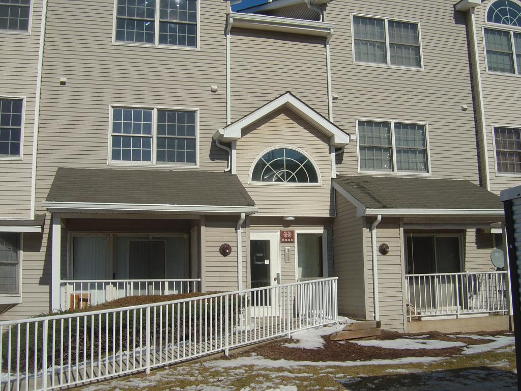 Hampton Club Condo - Douglas Gardens Apartments New Brunswick Nj