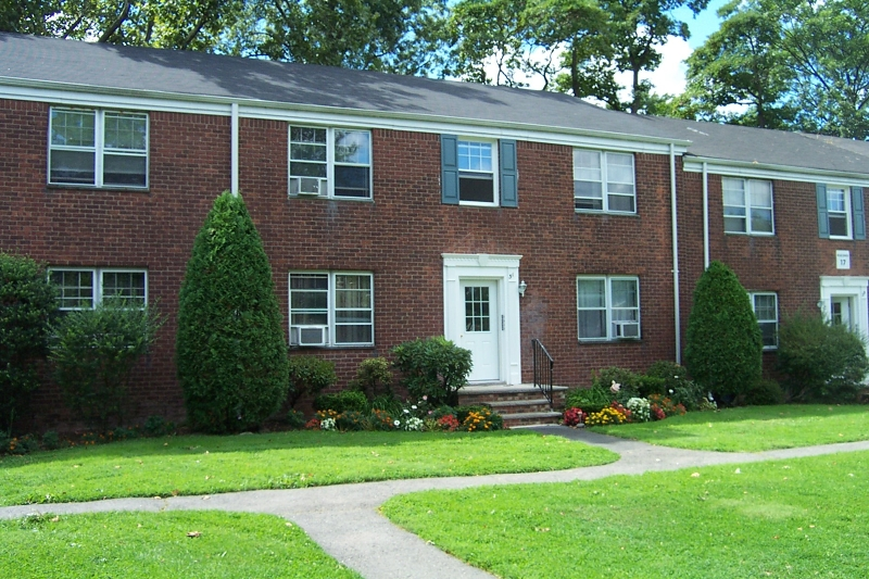 Brookdale gardens condos bloomfield new jersey nj for Brookdale gardens bloomfield nj
