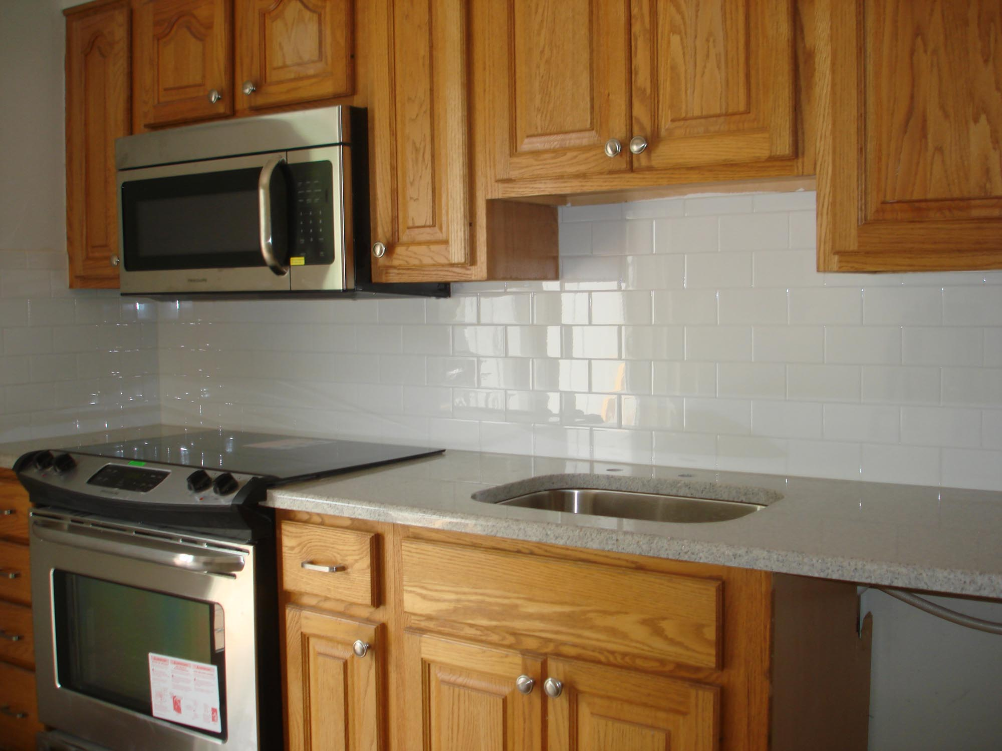 Clean And Simple Kitchen Backsplash: White 3x6 Subway Tile