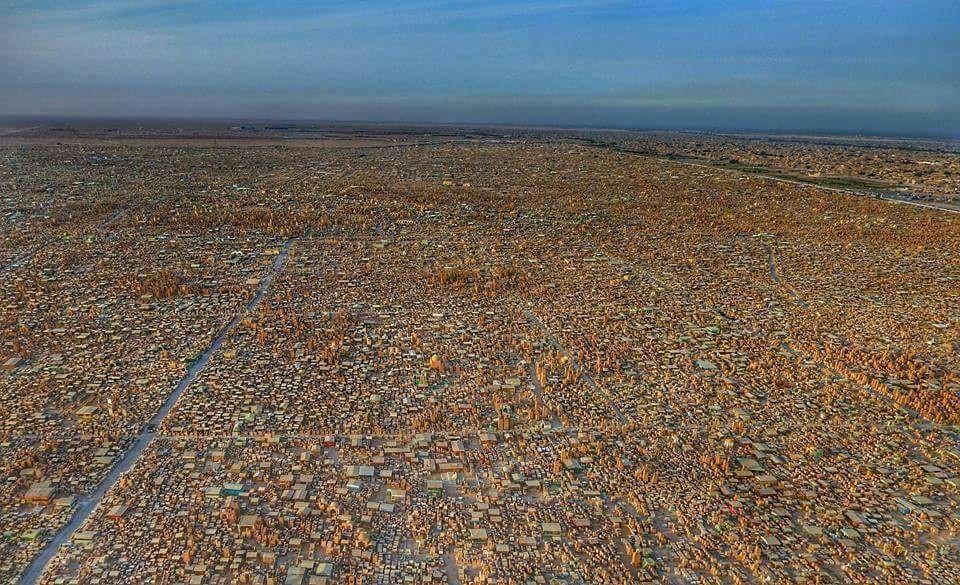 شاهد الصور الجوية لمقبرة وادي السلام ..أحد  أكبر المقابر الإسلامية في النجف الأشرف