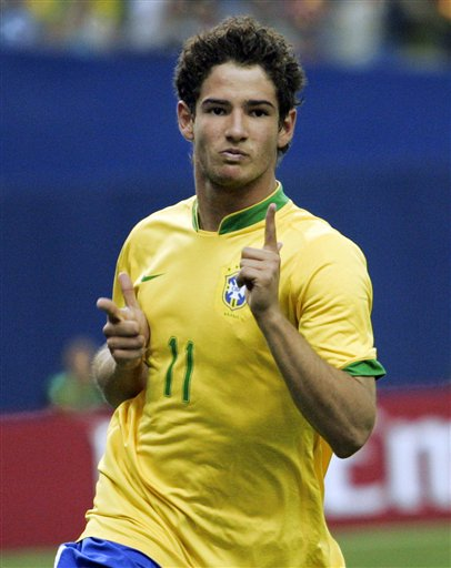 https://i0.wp.com/njmg.typepad.com/photos/uncategorized/2007/08/03/alexandre_pato_the_associated_press.jpg