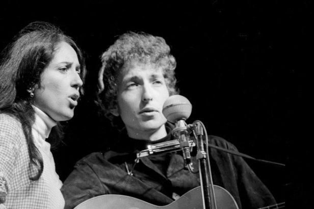 Joan Baez and Bob Dylan, Newport Folk Festival