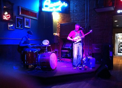 Morgan Davis at Bearly's (Stephen Pate photo)