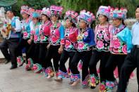 Bai minoritet danser traditionel dans i Kunming