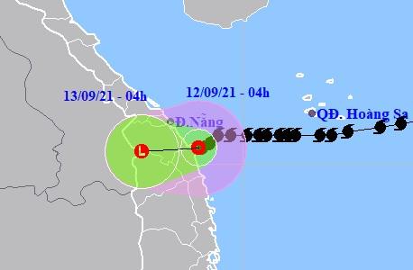 Bão số 5 suy yếu thành áp thấp nhiệt đới đổ bộ vào Đà Nẵng-Bình Định - Ảnh 1.