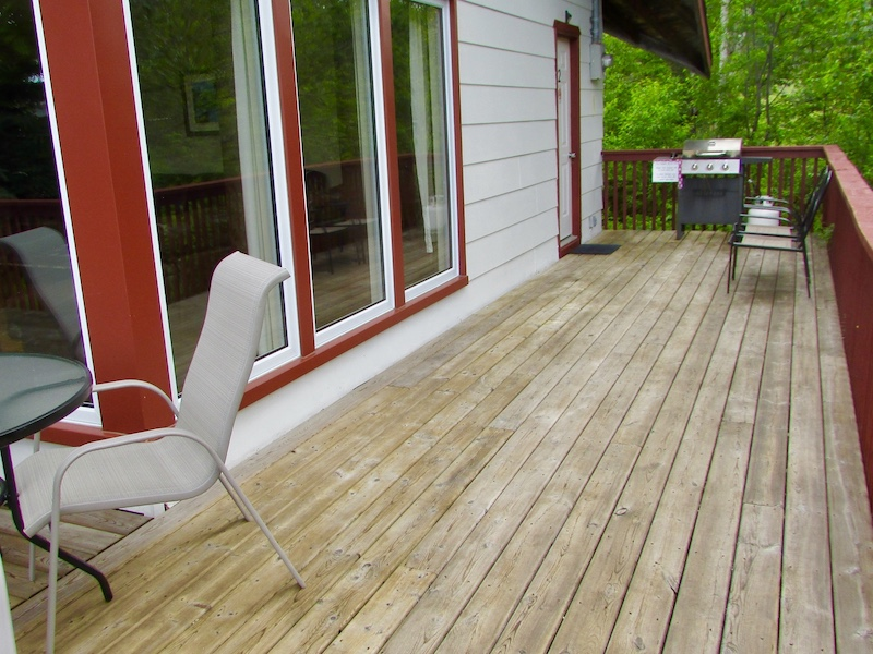 Wawa Vacation Home with Wrap Around Deck