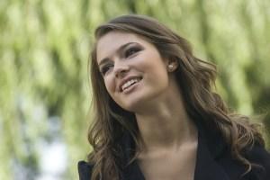対人関係を良くする方法:笑顔を作る