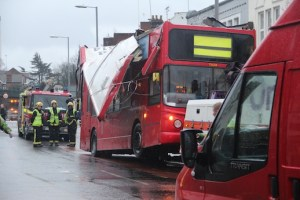 Bus looses roof in Norbiton