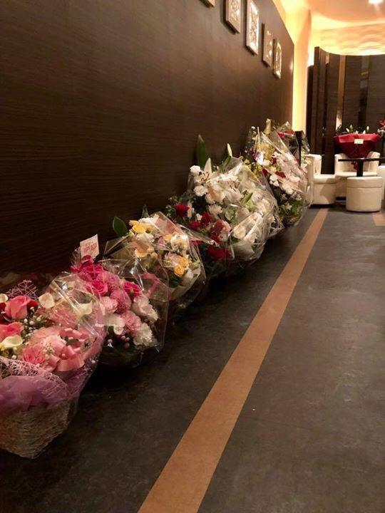 昨日は月曜日にもかかわらず、たくさんのお客様&スタッフに誕生日のお祝いをしていただきました。