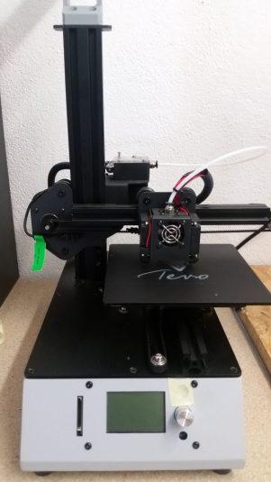 Fertig zusammengebauter 3D-Drucker