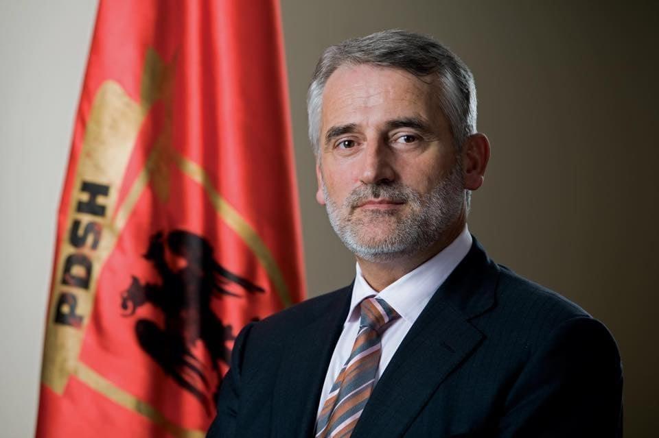 Menduh Thaçi takoi ambasadorin David Geer