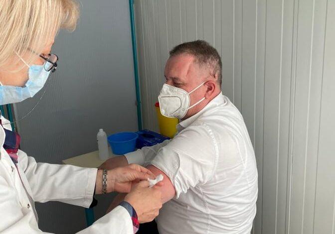 Vaksinohet drejtori i Institutit të Shëndetit Publik, Shaban Memeti