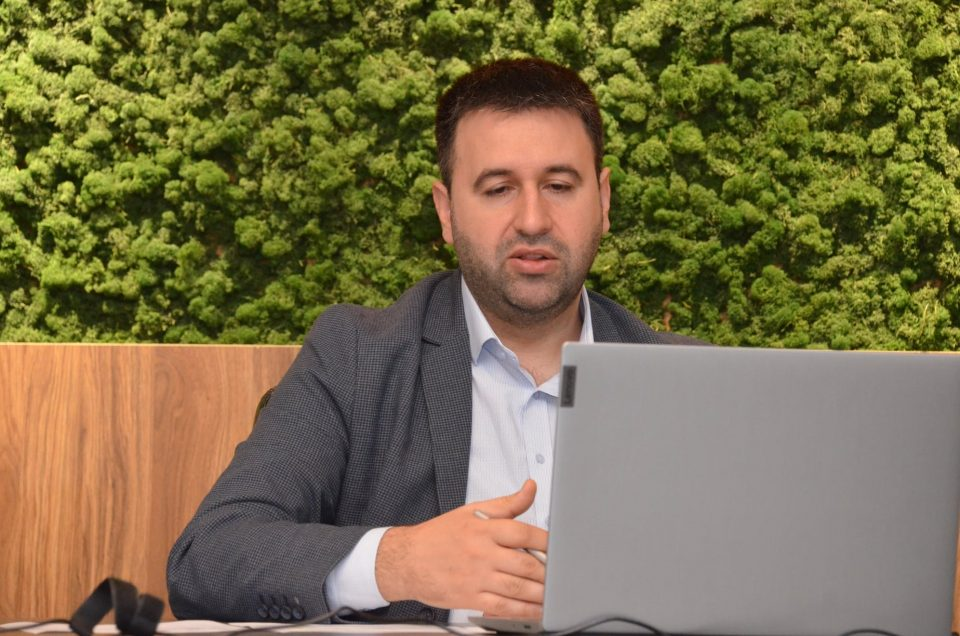 Hoxha: 23524 subjekte sot morën subvencionet
