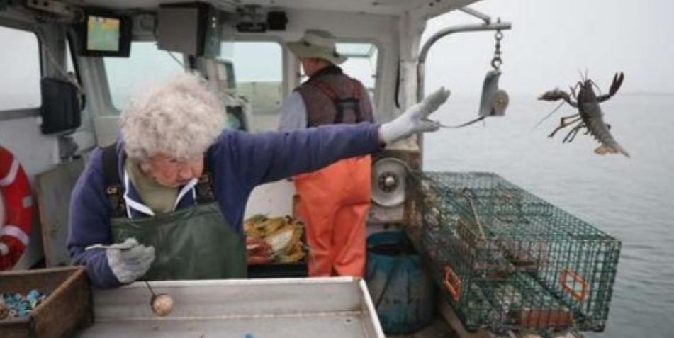 101 vjeçarja që nuk e ka në plan të dal në pension, vazhdon ende të punojë
