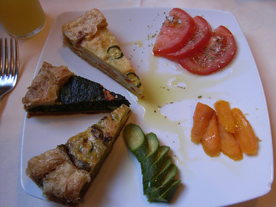 One of those photos that is not so good but that really has to be kept for documentary purposes: My entree of seasonal vegetable quiches, from Il Grotto, Riomaggiore.