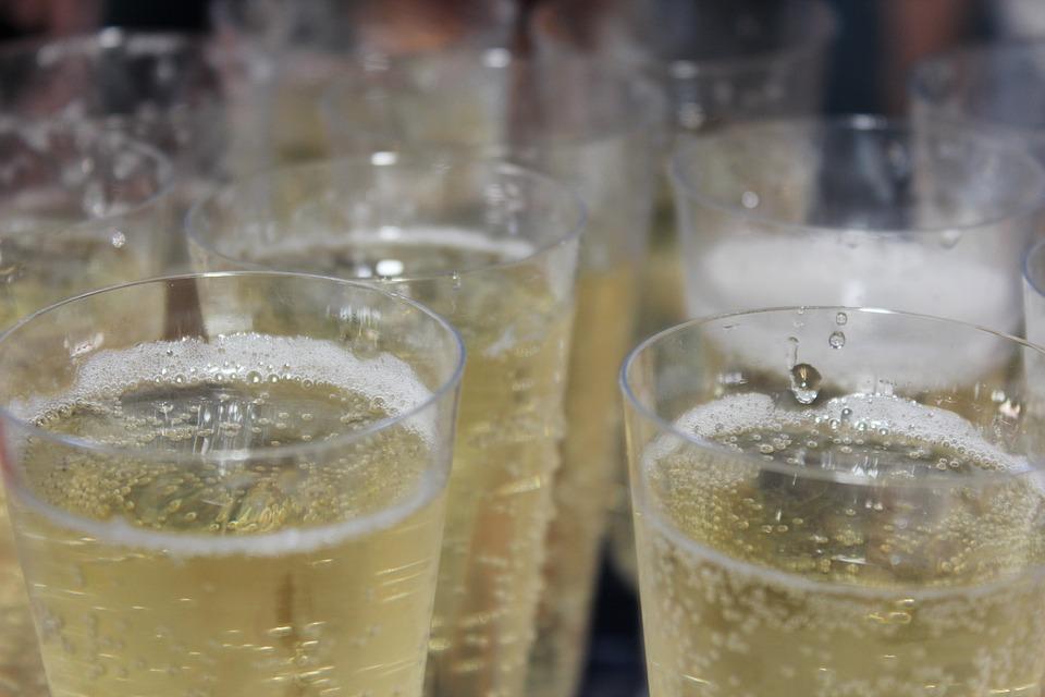 champagne-897417_960_720