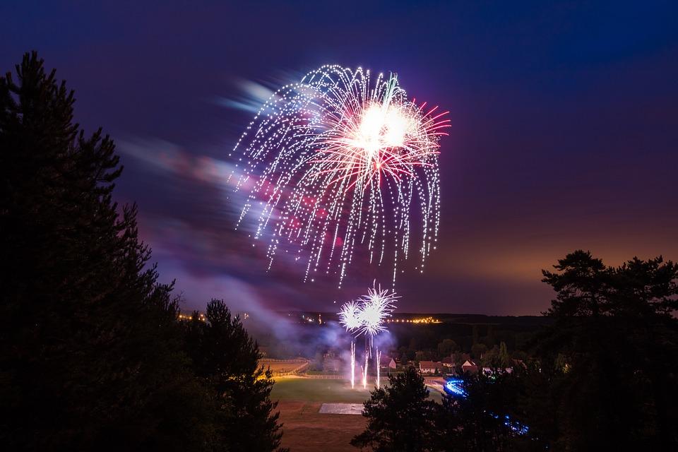 firework-845069_960_720