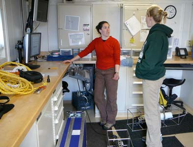 In the O-Lab, Stephanie and Megan begin to process the data that we collected.