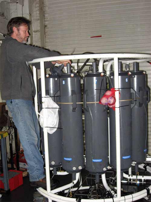 For every sampling station the CTD needs to be prepared ahead of time so that all the equipment is functioning fully.