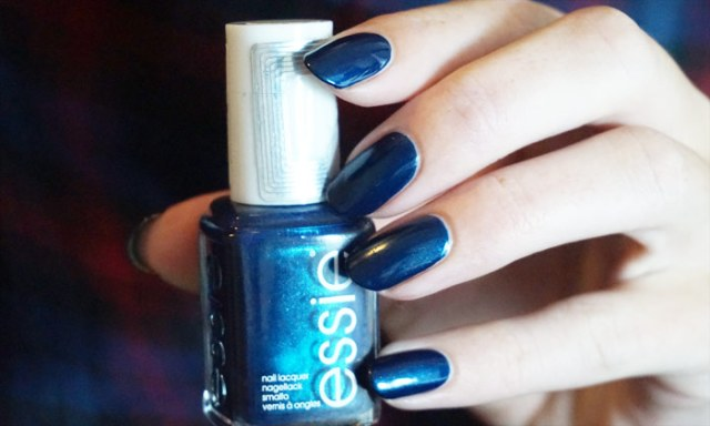 essie bell- bottom blues