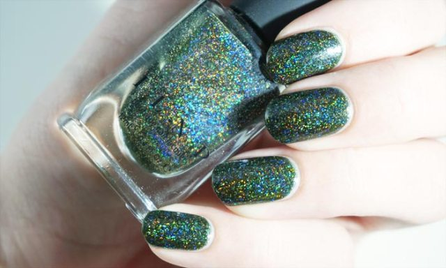 swatch of ILNP ski lodge in direct light