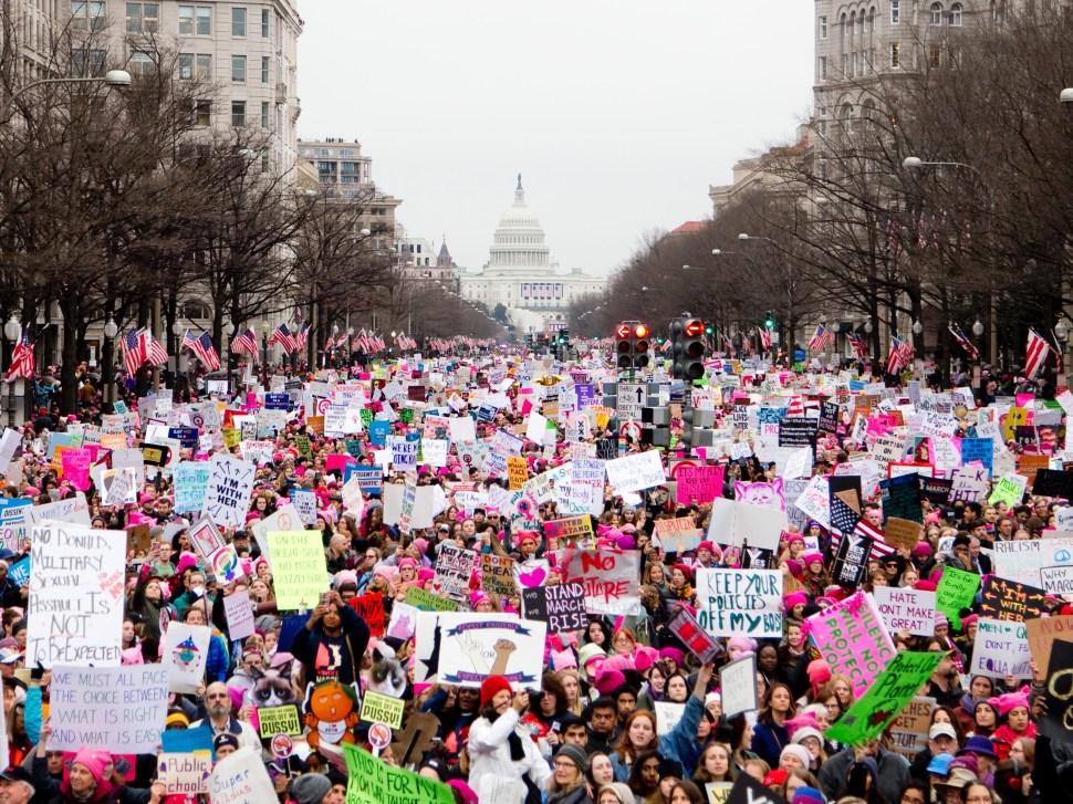 vlad-tchompalov-women's march-unsplash