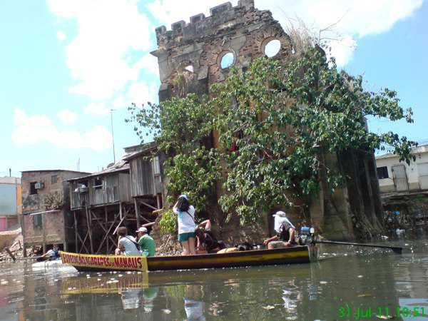 Represa da Cachoeira Grande Manaus Foto : Projeto Expedição de Igarapés