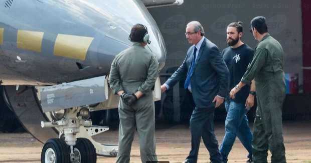 'Hipster da Federal', que prendeu Cunha, chama atenção na rede