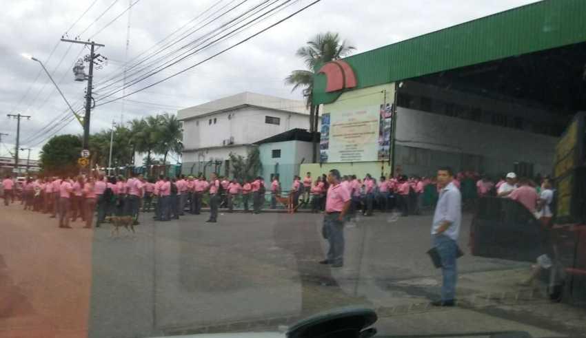 Rodoviários paralisaram 100% da frota de ônibus em Manaus - Imagem via Whatsapp