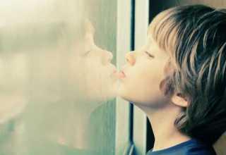 Entenda como identificar os primeiros sinais do Autismo - Imagem: Divulgação