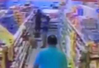 Câmera flagra homem abusando de criança de 11 anos - Imagem: Reprodução