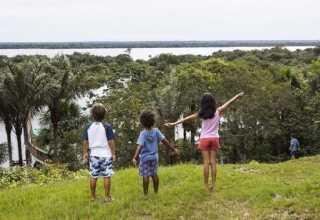 Crianças: Futuro da Amazônia / Foto por Thais Antunes
