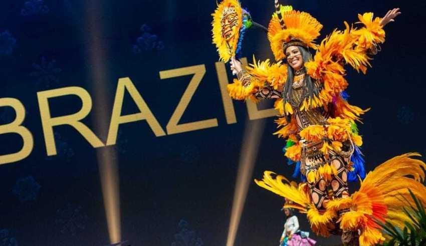 A Miss Brasil Mayra Dias é destaque no desfile de trajes típicos, que aconteceu nesta segunda-feira (10). / Foto: Divulgação/Miss Universe