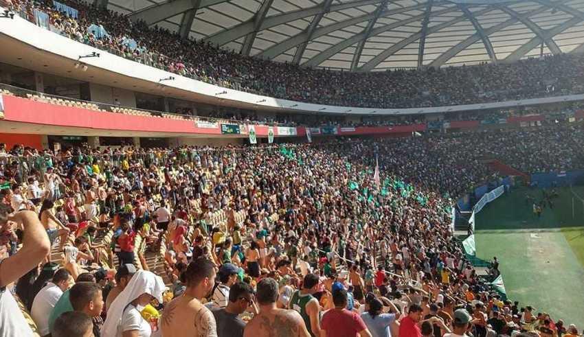Arena da Amazônia lotada para ver o Manaus subir para a série C do campeonato brasileiro em 2020