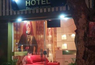 Wanderley Andrade inaugura Hotel Temático em Manaus