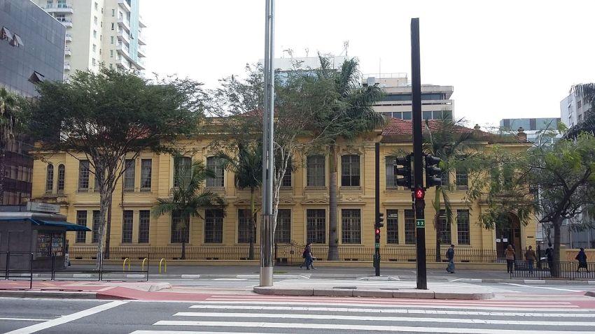 Fachada da Escola Estadual Rodrigues Alves, em São Paulo (SP), Brasil. / Foto : Caroline Vieira Bueno de Oliveira