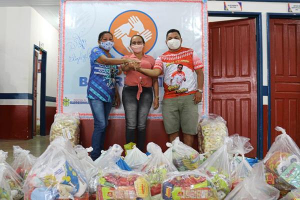 Unidos por Barreirinha: Agremiações folclóricas arrecadam cestas básicas para famílias carentes / Foto: Rodrigo Lago/Decom
