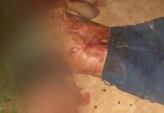 Corpo é encontrado decapitado e com assinatura de facção criminosa no AM; IMAGEM FORTE