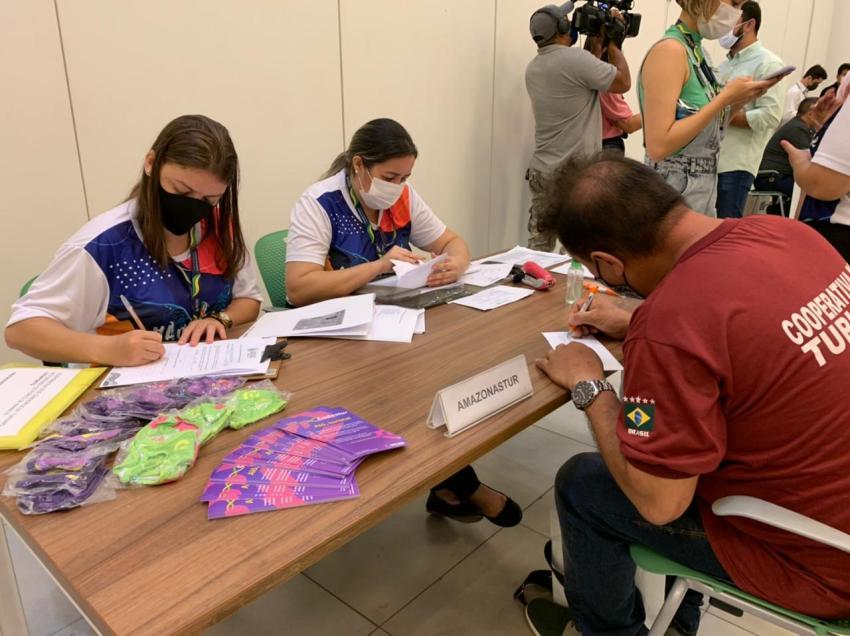 Governo do Amazonas já entregou mais de 1,3 mil cartões do Auxílio Estadual para profissionais da Cultura, Esporte e Turismo / FOto : Lucas Silva - SECOM