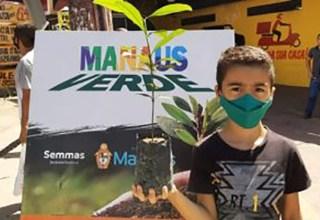 Prefeitura realiza doação de mudas de plantas no Largo São Sebastião, neste sábado