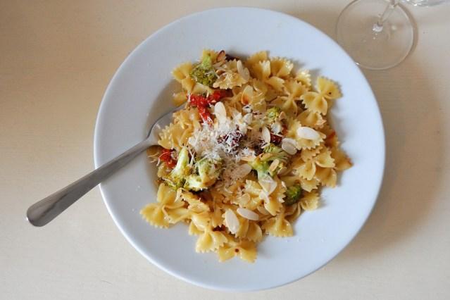 Sun-Dried Tomato and Broccoli Pasta