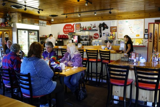Where to Eat in Idyllwild - The Red Kettle