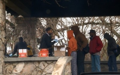 Young entrepreneurs give back to homeless community