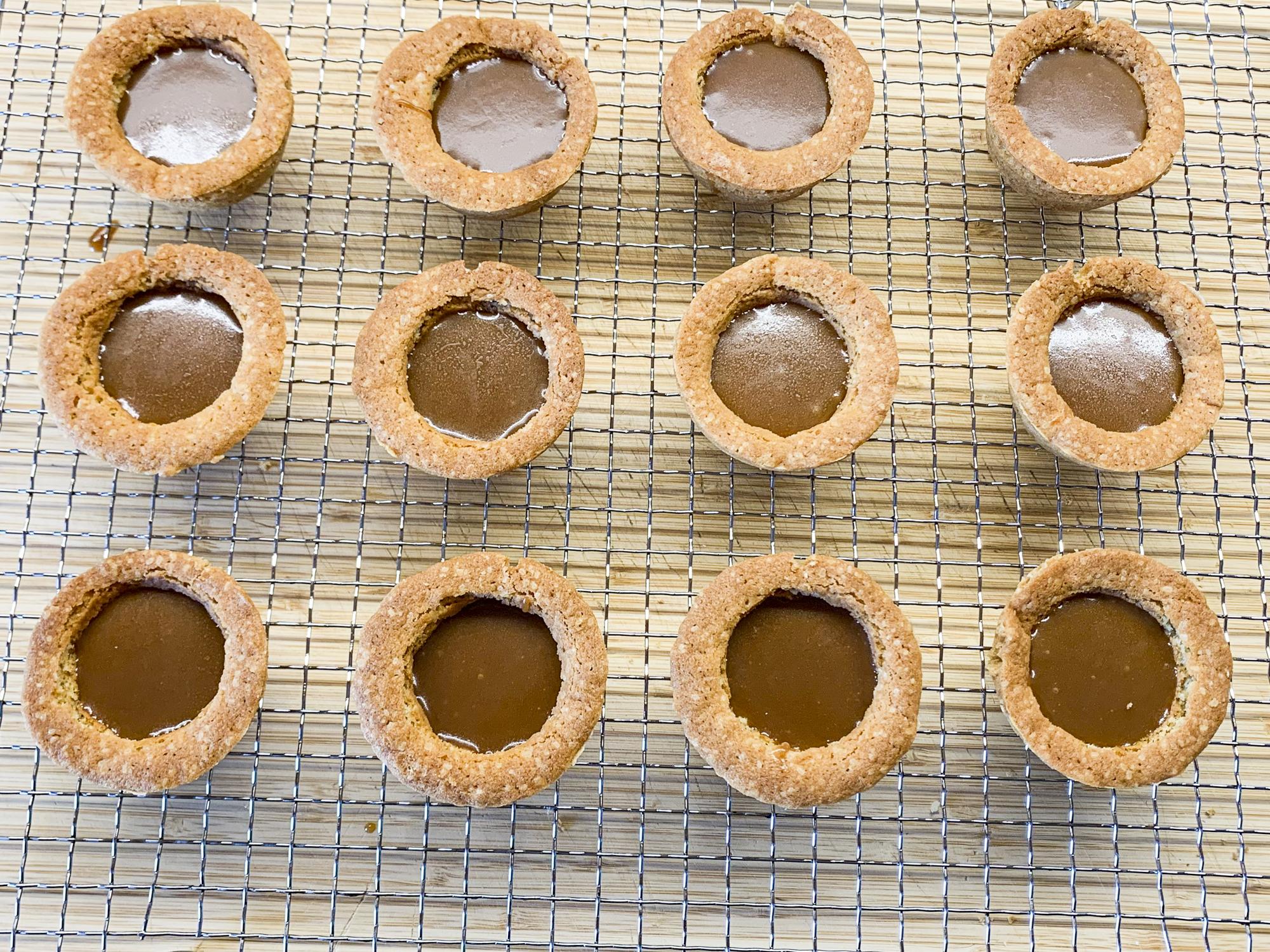 caramel-cookie-cups