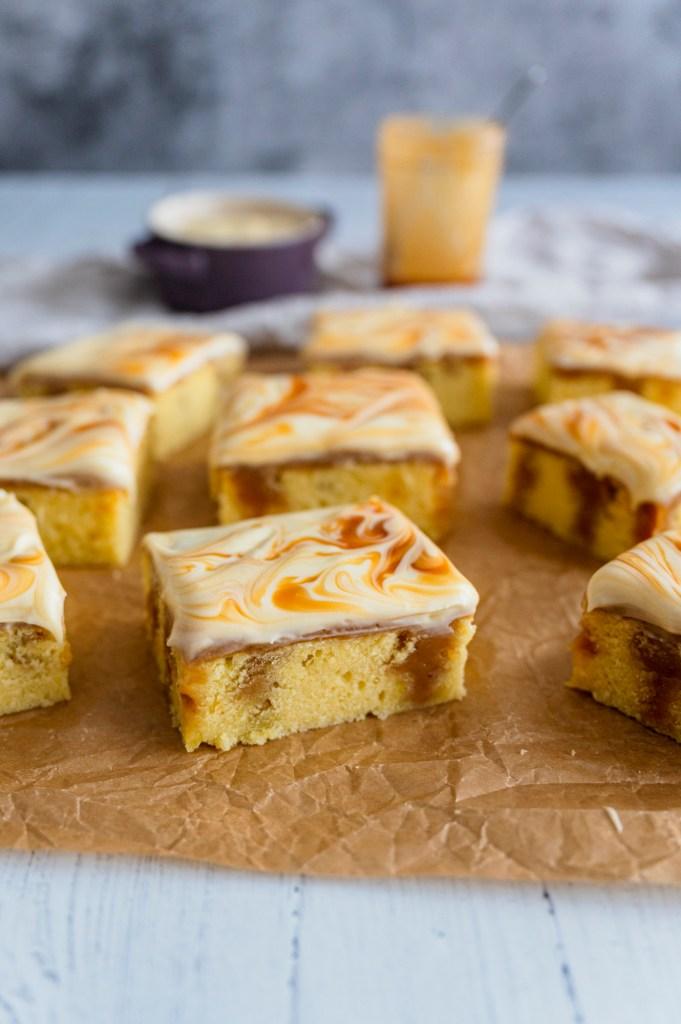 caramel vanilla cake bars