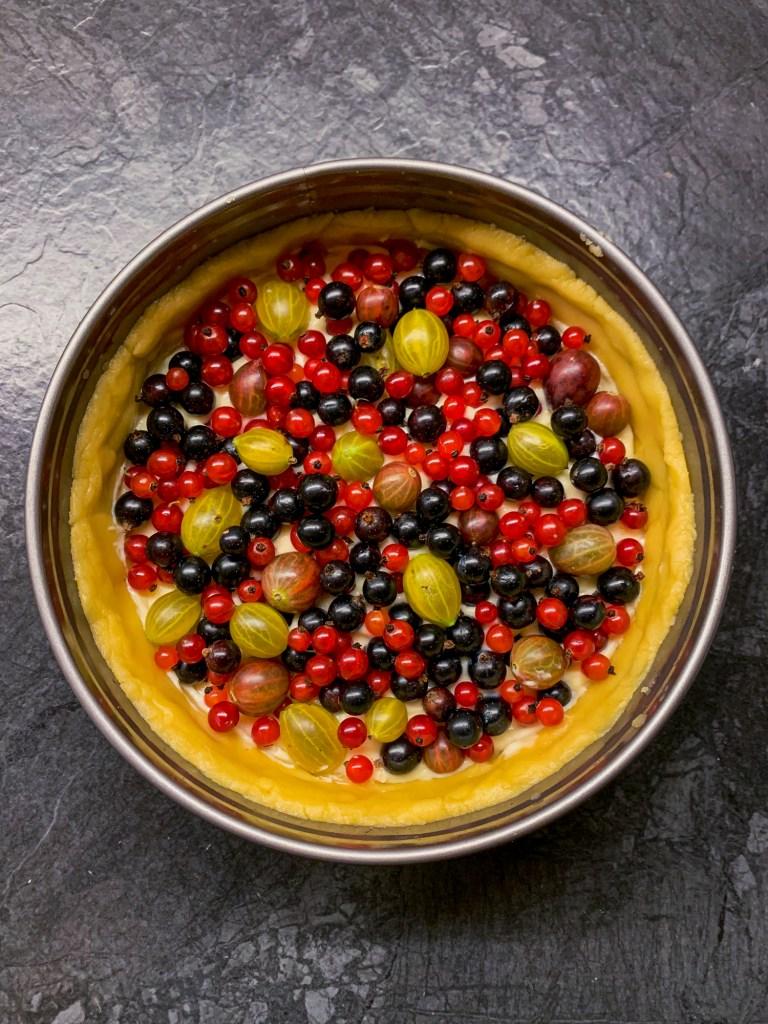 Berry Meringue Cake